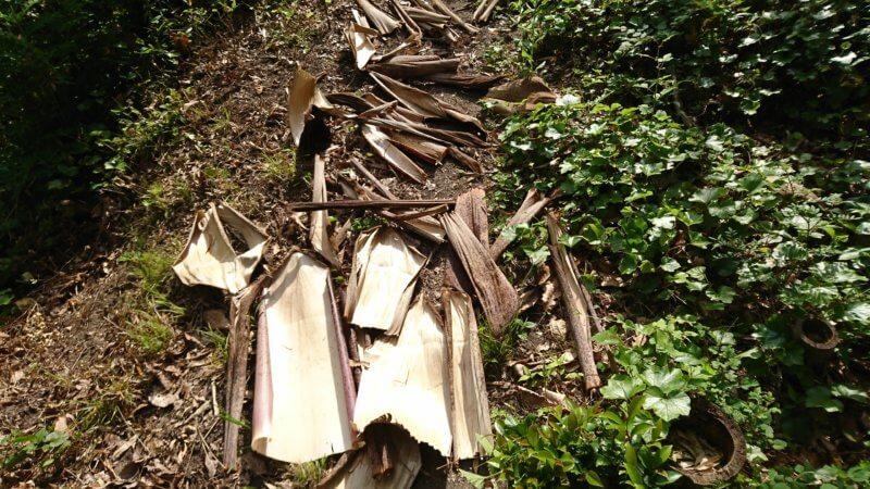 竹皮を天日乾燥
