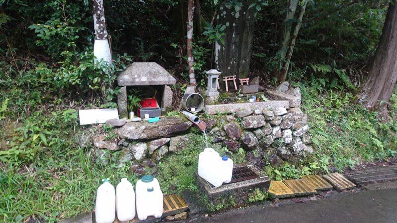 京見峠の水「杉坂の船水」